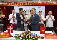 "SIGNING COOPERATION AGREEMENT  ON THE IMPLEMENTATION OF THE PROJECT  ""LEGAL ASSISTANCE TO CONTRACT FARMING"" IN NORTHERN VIETNAM"